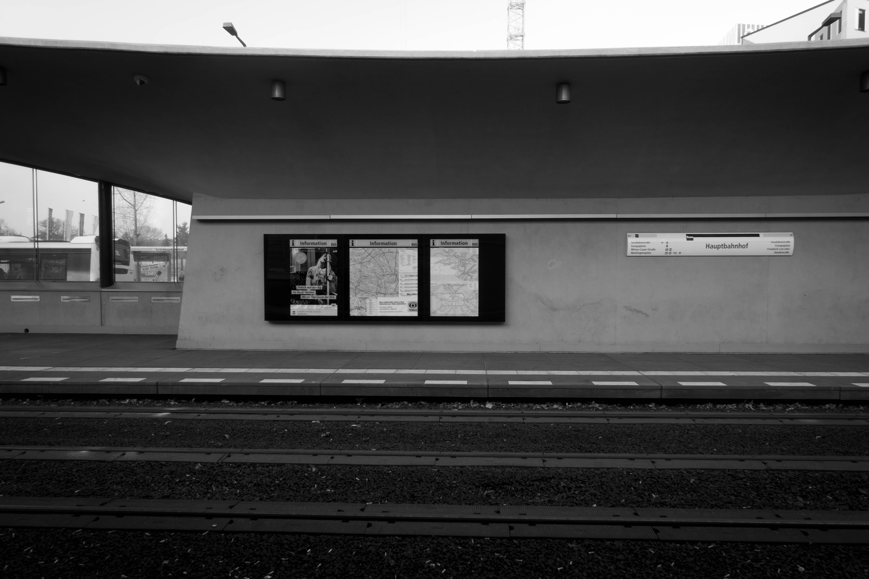 Berlin, Hauptbahnhof, Tram Station